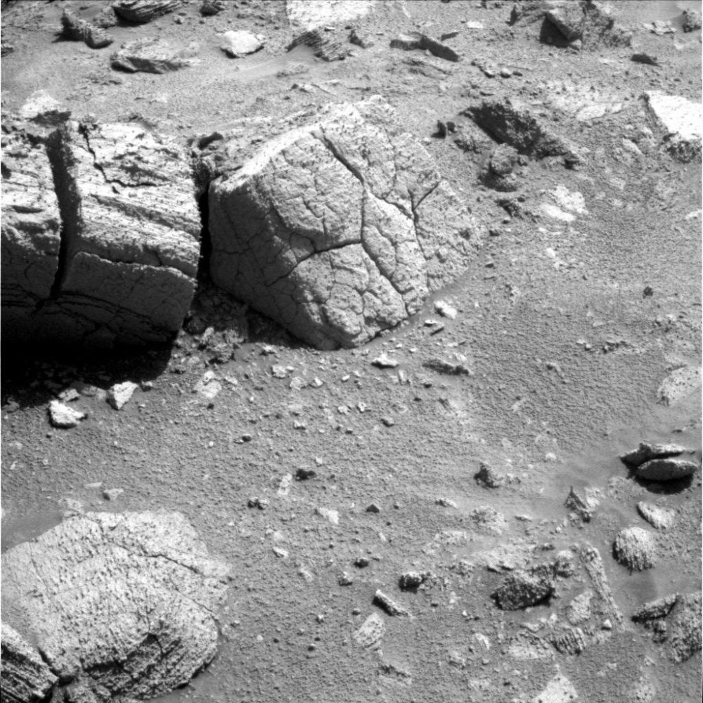 Oppy reaches the Chocolate Hills... (5/6)