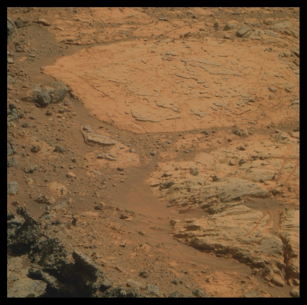 Opportunity zooms in on Fin outcrop (1/4)